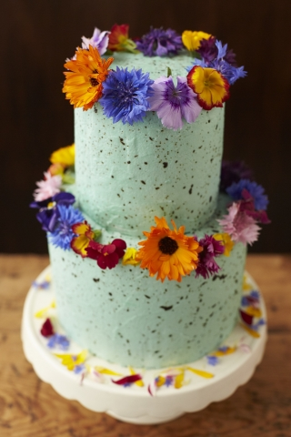 Another Stunning Cake From Bees Bakery Using Our Edible Flowers Just One GBP1350 Was Used To Decorate This