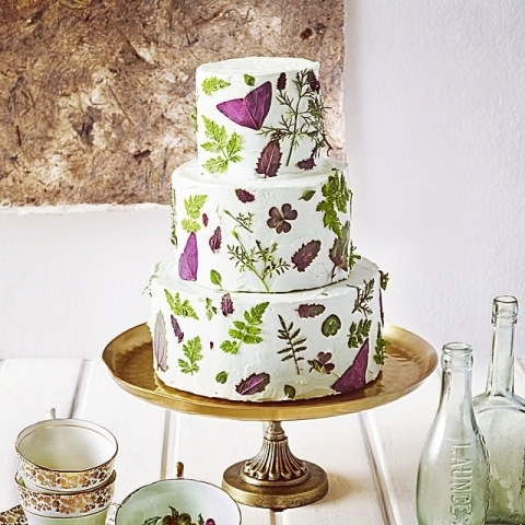 Using Edible Leaves On Wedding Cakes The Guide Maddocks Farm