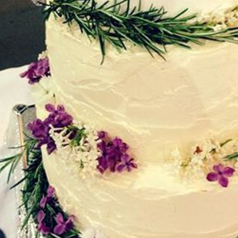 Edible Leaves for Wedding Cakes | Maddocks Farm Organics